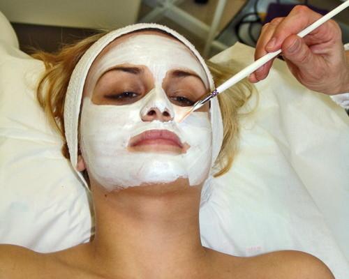 Maschere naturali ammorbidenti e rinfrescanti per il viso